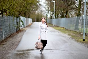 Fashion Blog i-like-shoes Outfit Grauer Wollmantel und Strickpullover