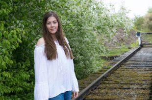 Weisse Schulterfreie Bluse kombinieren - off-shoulder bluse